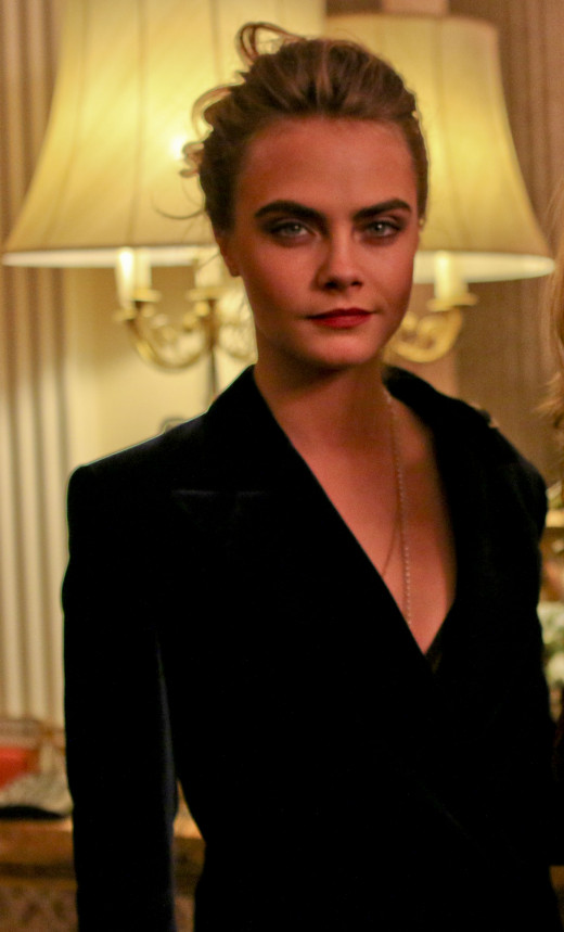 Cara Delevingne's gorgeous full eyebrows are the envy of many!