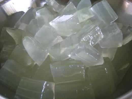 Aloe vera gel for beauty benefits