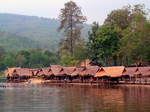 Huay Tung Tao Lake and bamboo huts