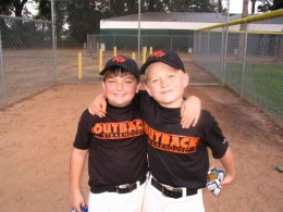 http://www.weplay.com/youth-baseball/pics-photos