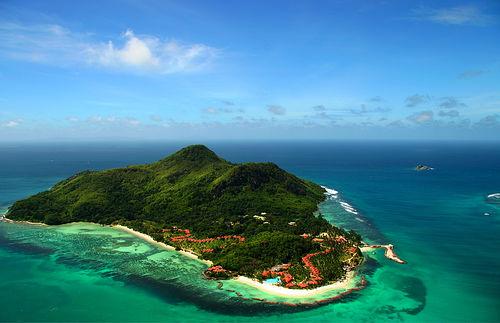 Aerial view of Bangaram Island and the Sea Resort