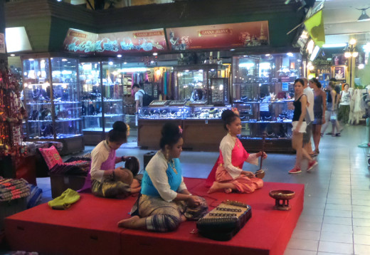 Traditional Thai Music - Chiang Mai Night Bazaar