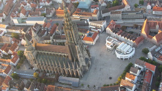 Areal view of the Ulm Minster with its main tower and two choir towers