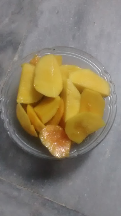Mango slices.