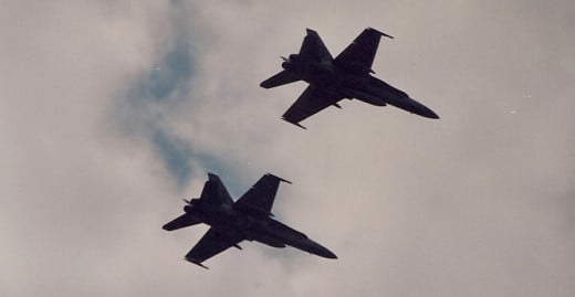 An F-16 element over the Washington Mall during the Desert Storm Victory Parade, June 1991.