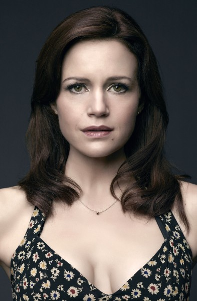 Carla Gugino as Kate Hewson
