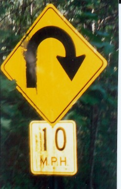 Common speed limit sign found in Eureka Springs
