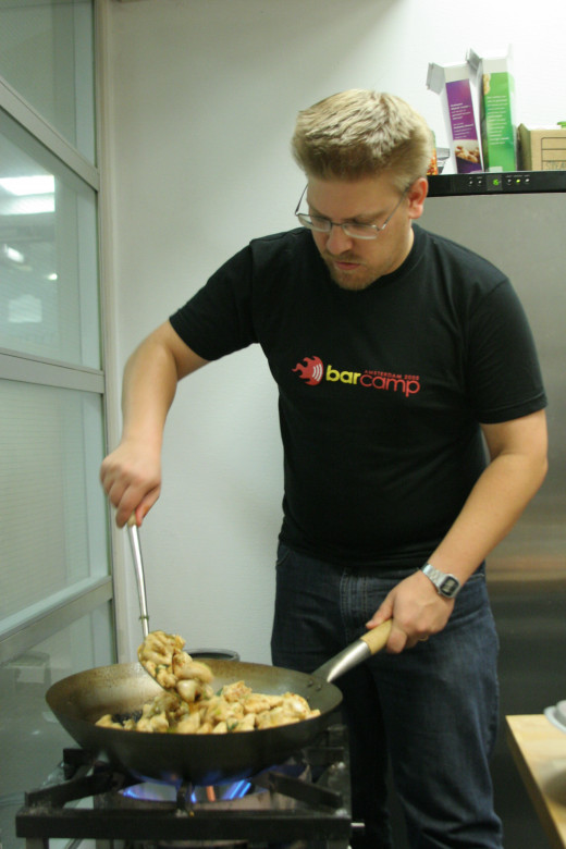 People love cooking By roland from Amsterdam [CC-BY-2.0 (http://creativecommons.org/licenses/by/2.0/)], via Wikimedia Commons
