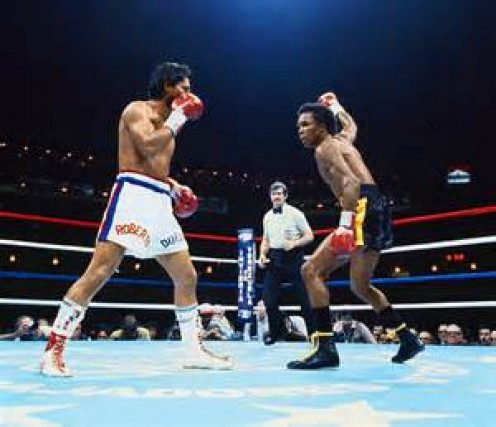 Sugar Ray Leonard beat Roberto Duran to avenge a defeat and regain the welterweight title.