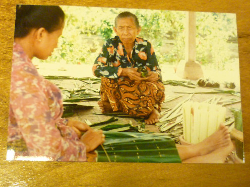 Making banana leaf mats - Bali, Indonesia