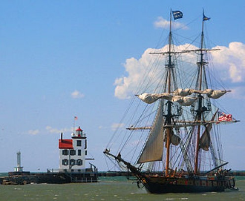 Tallship, U.S. Brig Niagara, Passes the Lorain Lighthouse