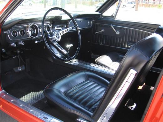 Mustang GT Interior (Note 5-dial instrumentation)