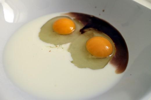 Preparing the egg-milk mixture