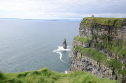 Travel Round Ireland… with a Fridge Book Review