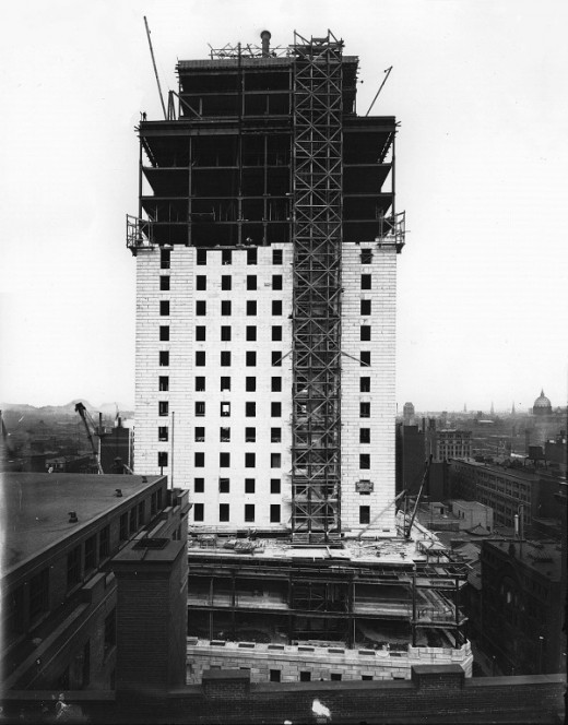 "The construction of the Royal Bank building at the height of the ""roaring 20's"" in Montreal, QC, 1927."