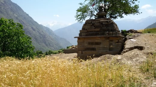 The small ancient temple of Budha Kedar near Devgram village