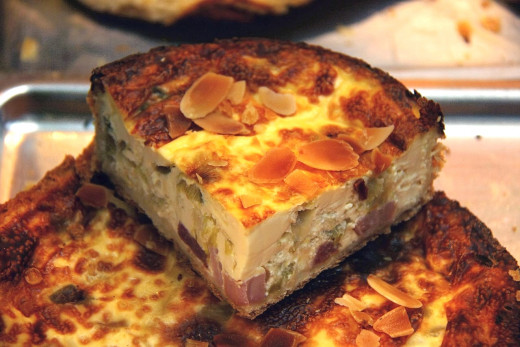 Quiche is one of the rare dishes that tastes good hot, warm of cold. It is ideal for picnics and as left-overs for lunches and snacks