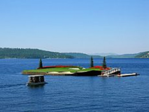 Coeur d'Alene Resort floating green
