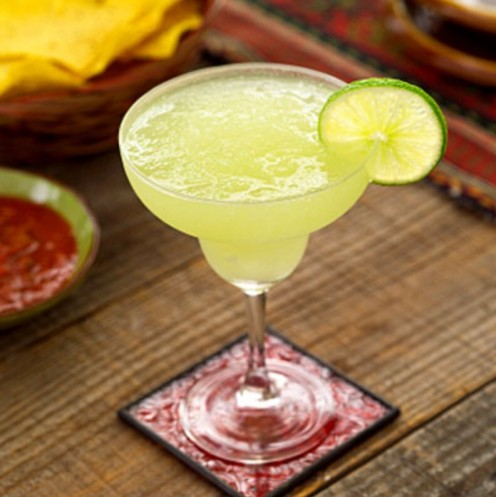 A chill mix of tequila, triple sec, sweet n' sour, and lime juice, served blended with ice, or on the rocks!!