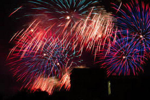 Beautiful fireworks are always a crowd-favorite at any 4th of July celebration.