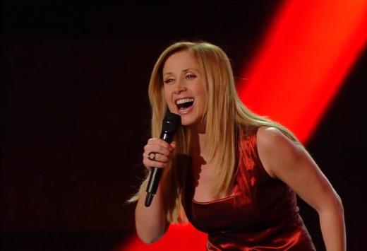 "Lara Fabian performing ""Sto Male"" in the Sanremo Festival. February 2015."