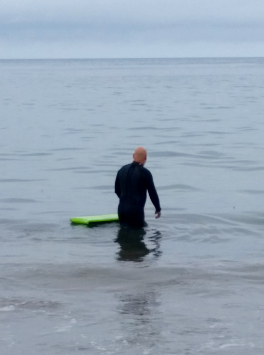 Sometimes the sea is too calm for bodyboarding. You just have to be patient and wait.