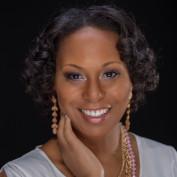 E Lynne Campbell profile image
