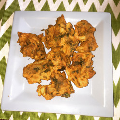 Gram Flour Fritters With Spinach and potato/Palak Pakora