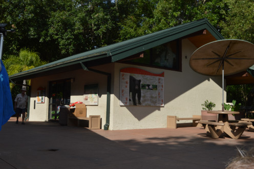 The gift shop and canoe rental at Alexander Springs.