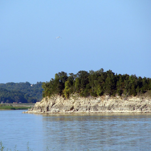 Missouri shoreline