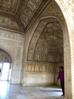 Travelling To Red Fort (Lal Quila), Agra