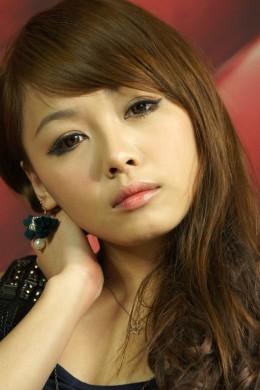 Lovely winged eyeliner.