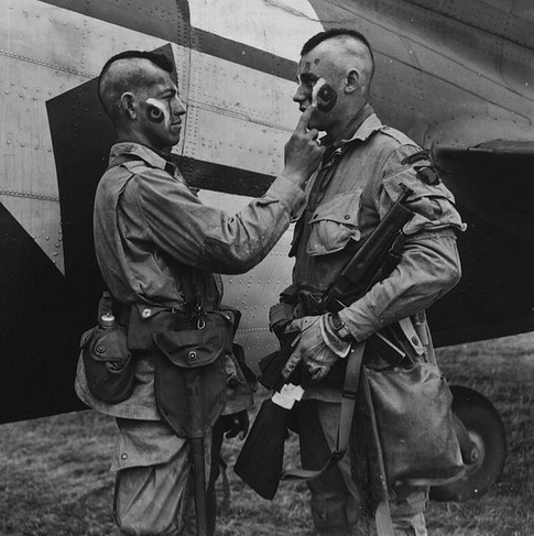 Soldiers of 506 Parachute Infantry Regiment