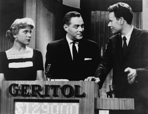 "'21"" host Jack Barry with contestants Charles VAn Doren and Vivienne Nearing"