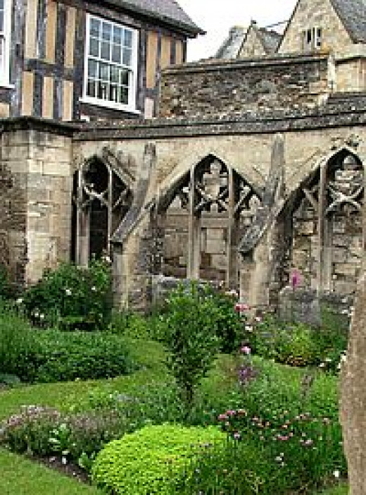Monastic garden at Glouster Cathedral