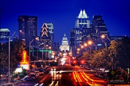 Iconic view of Austin at night! Frost Tower (see the owl?) on the right of the Capitol. Stunning skyline!