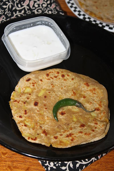 Gobi Paratha served with dahi