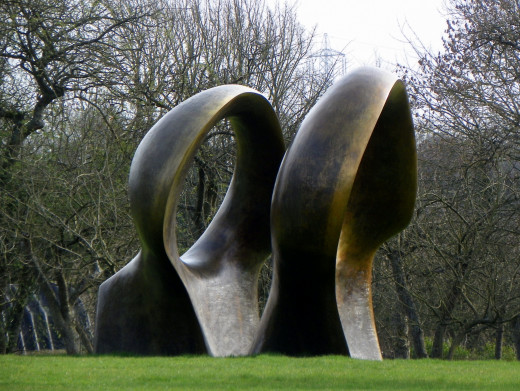 "Henry Moore, ""Double Oval"""