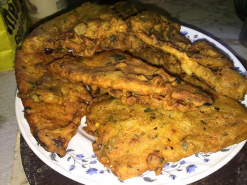 Crispy and super delicious Besan walk Naan