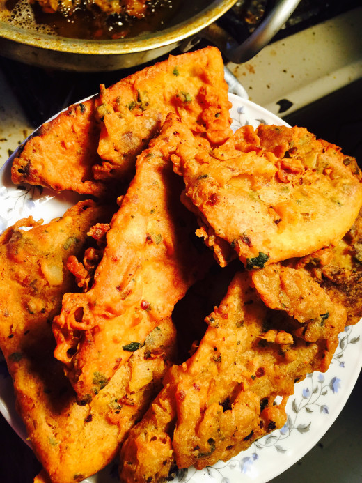 Deep fry or shallow fry on both sides until besan walk naan is light brown and crispy.