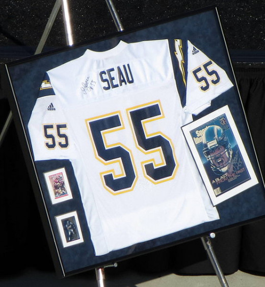 Linebacker Junior Seau gave Chargers fans many great memories in the '90s, but the team fell short in its only Super Bowl appearance.