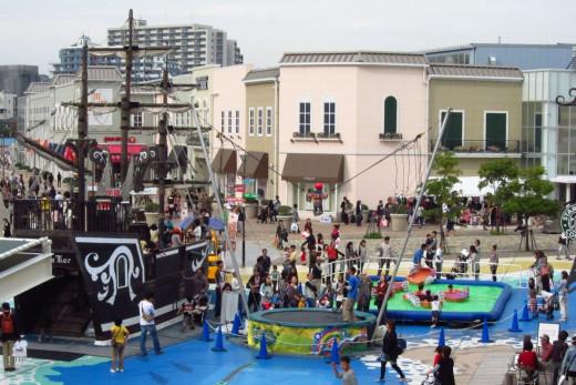 Playground Mitsui Outlet Park Tarumi Hyogo Japan