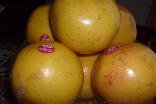 Grapefruits contain a variety of vitamins and minerals and has been shown to help lower cholesterol levels.