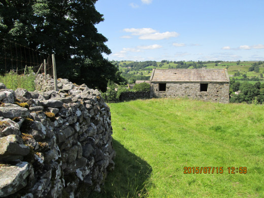 Seen from higher up the footpath along the dry stone wall, looking over to the 'tops' north of the dale