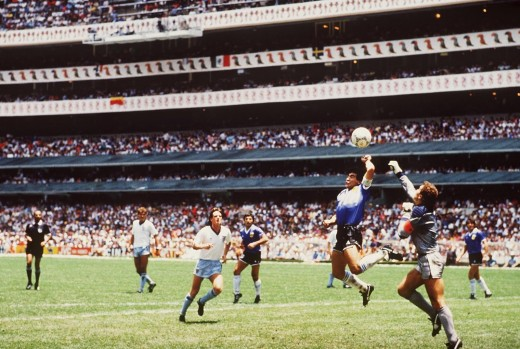 """Un poco con la cabeza de Maradona y otro poco con la mano de Dios"" (""A little with the head of Maradona and a little with the hand of God"") - MARADONA, Diego"