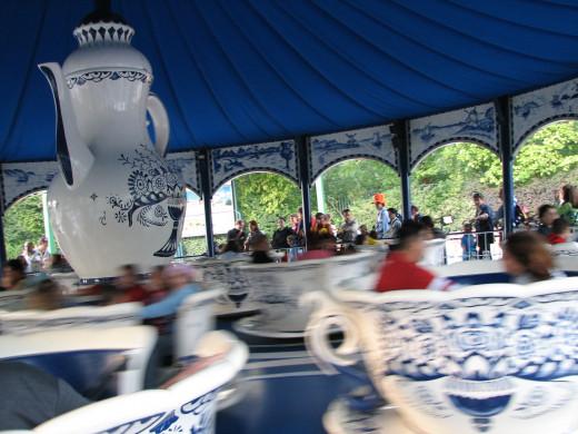 kaffeetassen (teacups ride)