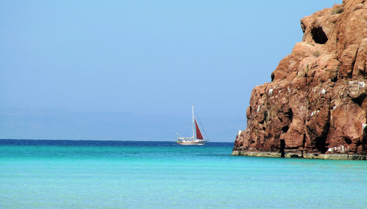 The crystal-blue sea off Isla Espiritu Santo, Bahia De La Paz...