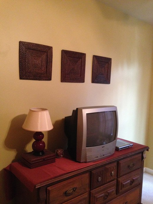 Yes, the TV is old, but it's in the guest bedroom!