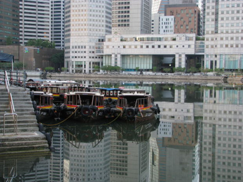 Sail along the Singapore River
