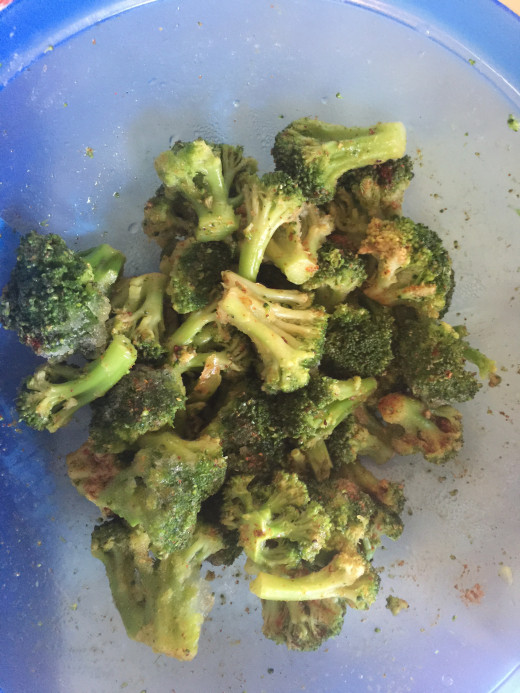 Coat brocolli florets in olive oil and seasoning